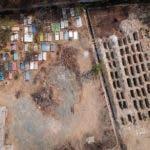Fotografía tomada desde un dron que muestra fosas en el Panteón el Palmar, este sábado en el balneario de Acapulco en el estado de Guerrero (México). EFE/David Guzmán