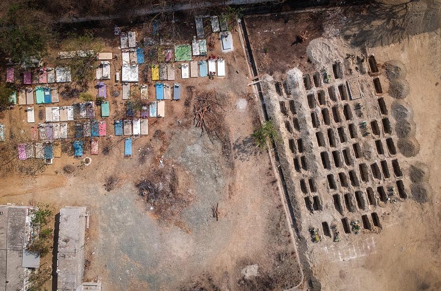 Crean 300 fosas para muertos por COVID-19 en Acapulco, al sur de México