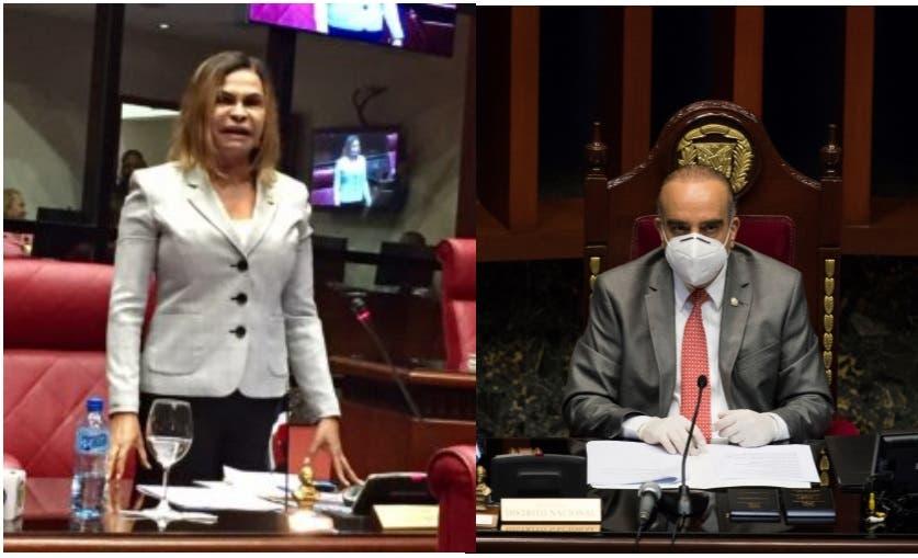 (Video) Vea a senadores Sonia Mateo y Arístides Victoria Yeb pelear por un turno