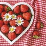 strawberries-5210753_1280