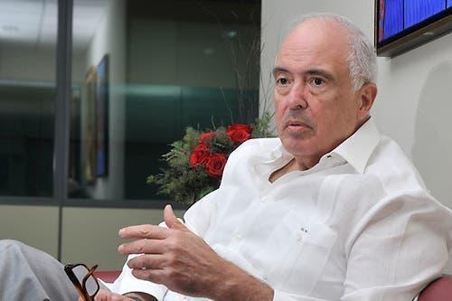Bernardo Vega responde a quienes critican resultados encuesta Mark Penn