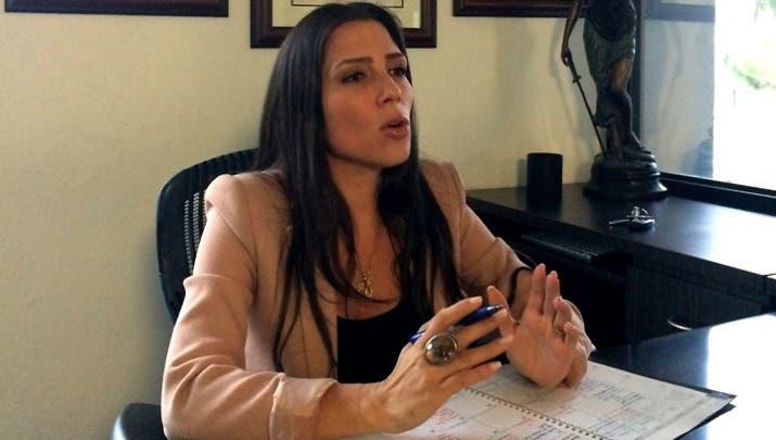 Candidata a gobernadora de Puerto Rico niega discriminación contra dominicana