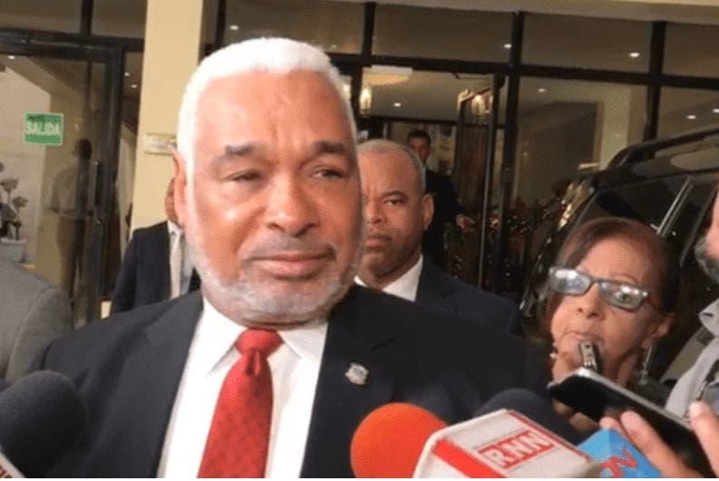Radhamés Camacho «le entra» a presidenta ADP por decir Gonzalo Castillo eliminará 4% de Educación