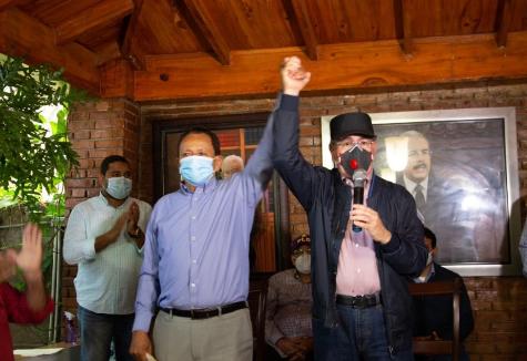 Danilo Medina llama a peledeístas en Dajabón a votar temprano