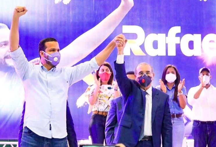 Danilo Medina: Rafael Paz será un «lujo de senador»; dice nadie se arrepentirá de elegir a Gonzalo