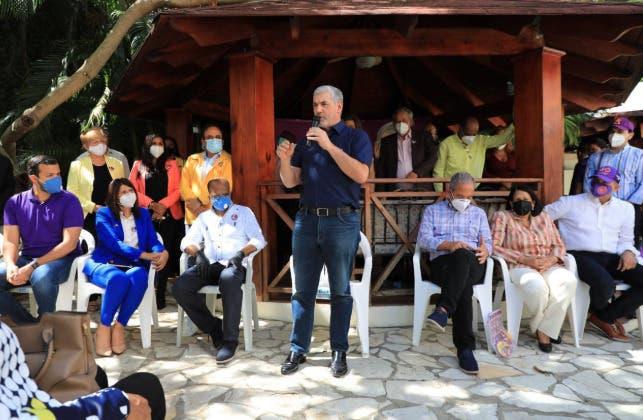 El llamado que hace Gonzalo Castillo a dirigentes, a menos de un mes de las elecciones