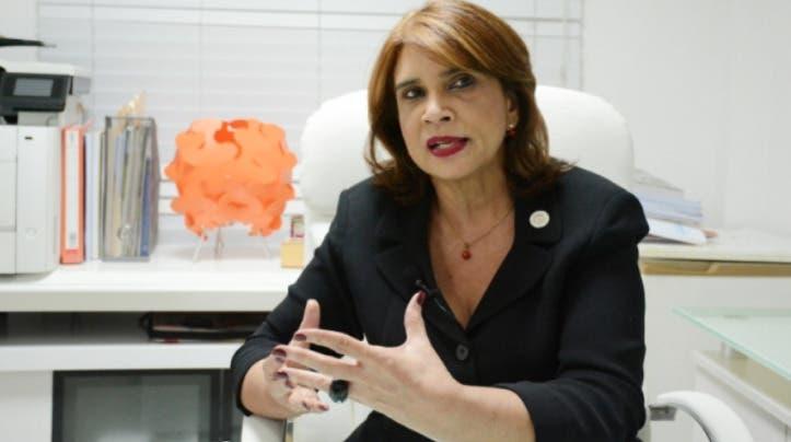 Doctora advierte personas asintomáticas rechazan pruebas de COVID-19 para evitar aislamiento
