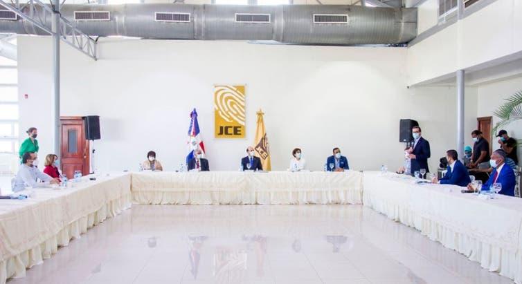 Elecciones 2020: Lo que trataron la JCE y la comisión de acompañamiento