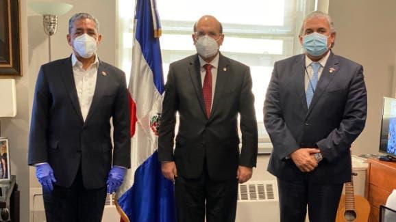JCE sostiene encuentro con Adriano Espaillat y el cónsul Carlos Castillo en Nueva York