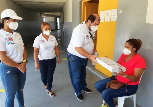 Minerd garantiza ayuda a personas con condiciones especiales