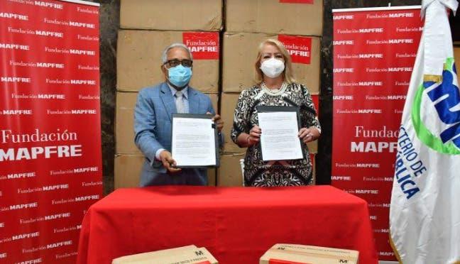 Fundación MAPFRE dona material sanitario para personal médico y de enfermería