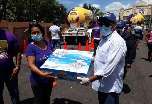 Movimiento respalda a Gonzalo Castillo lleva ayuda a familias de Cristo Rey