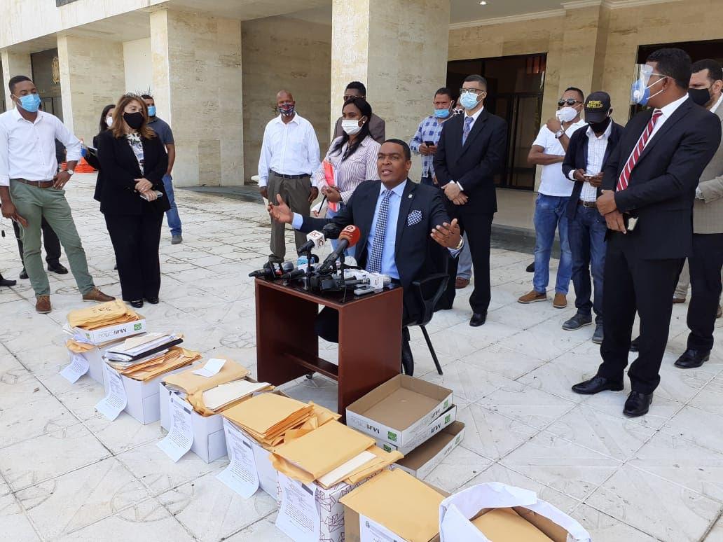 Pedro Botello: están ofreciendo 100 millones a diputados para que aprueben estado de emergencia