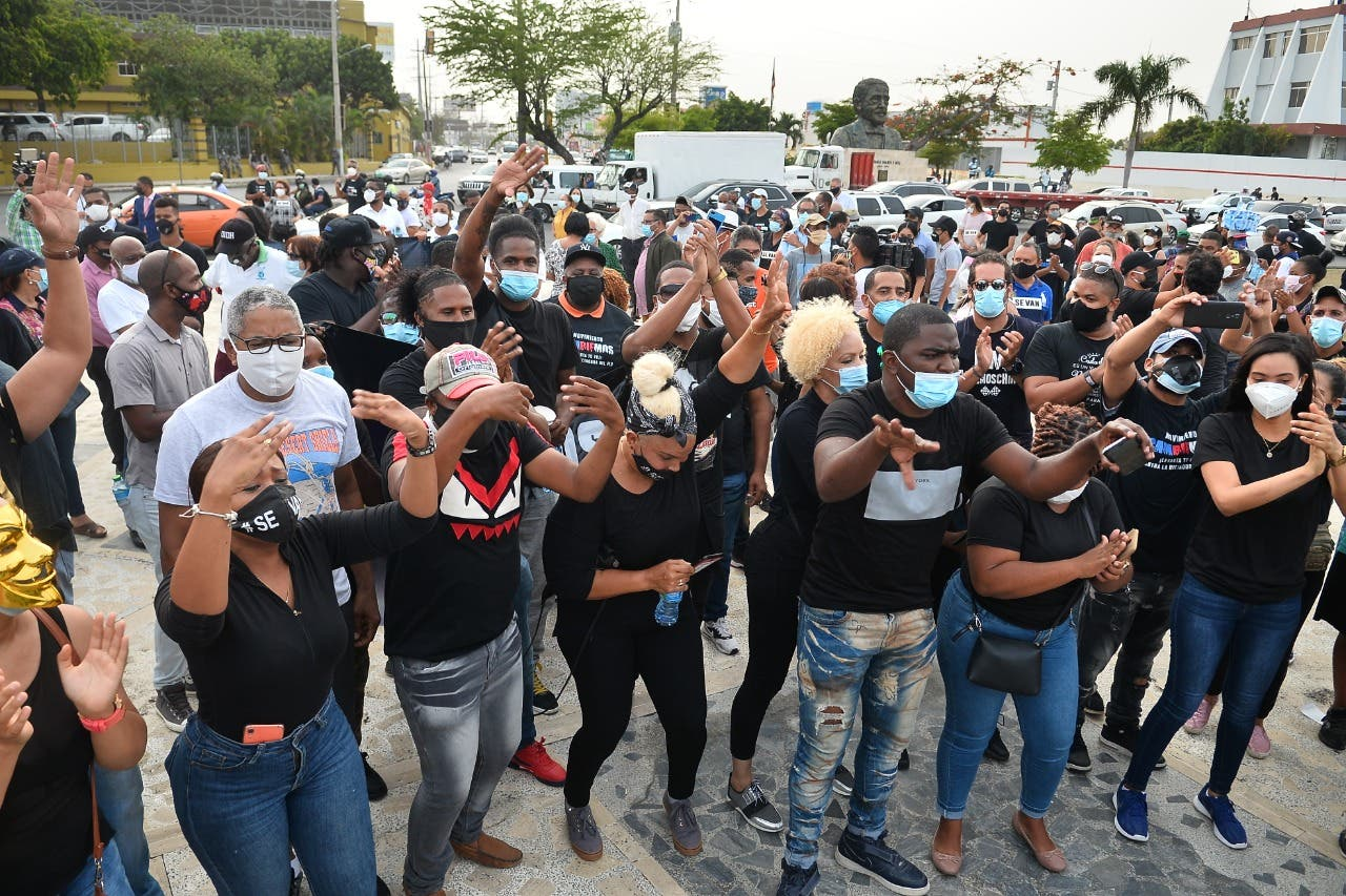 Fotos, videos y detalles del porqué protestaron ayer en la Plaza de la Bandera