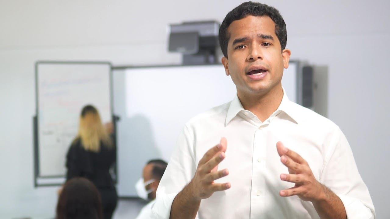 Omar Fernández aclara su padre no se aprovechó de coyuntura política sobre muerte de Johnny Ventura