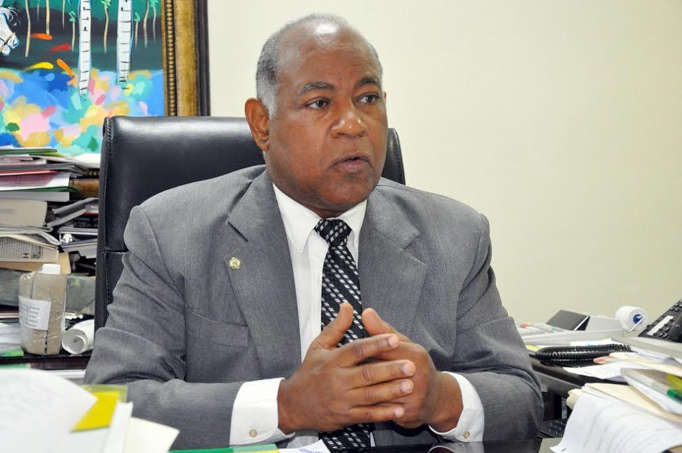 Ponderan equipo económico formado por el presidente electo Luis Abinader