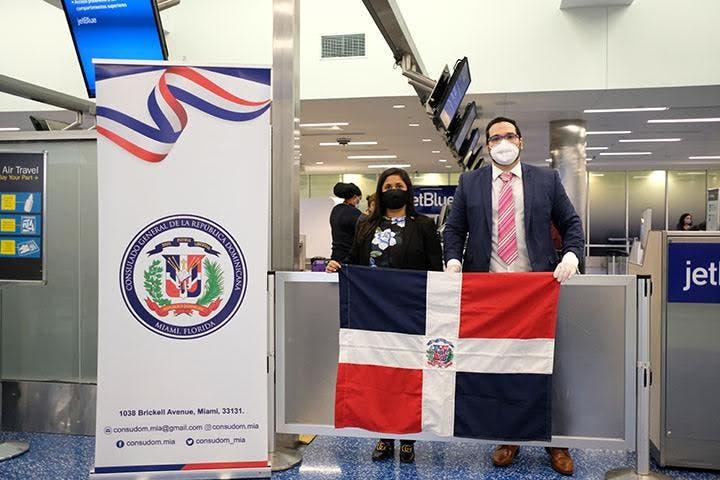 Consulado de la República Dominicana en Miami coordina repatriación de dominicanos
