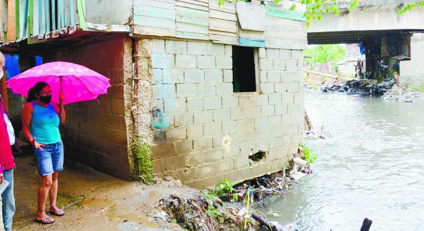 Familias temen lluvias inunden sus viviendas