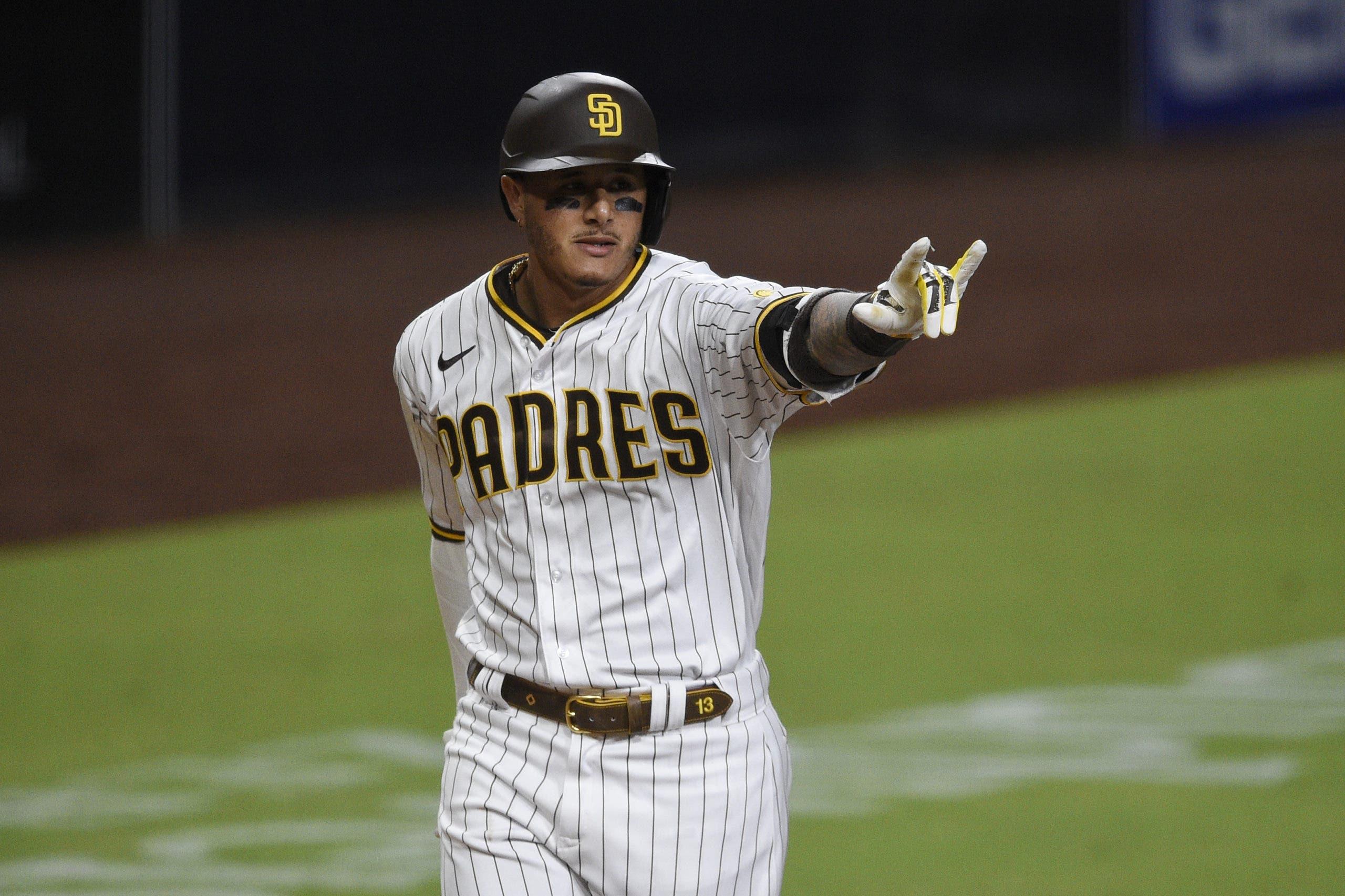Manny Machado sacude 1er HR y Padres ganan