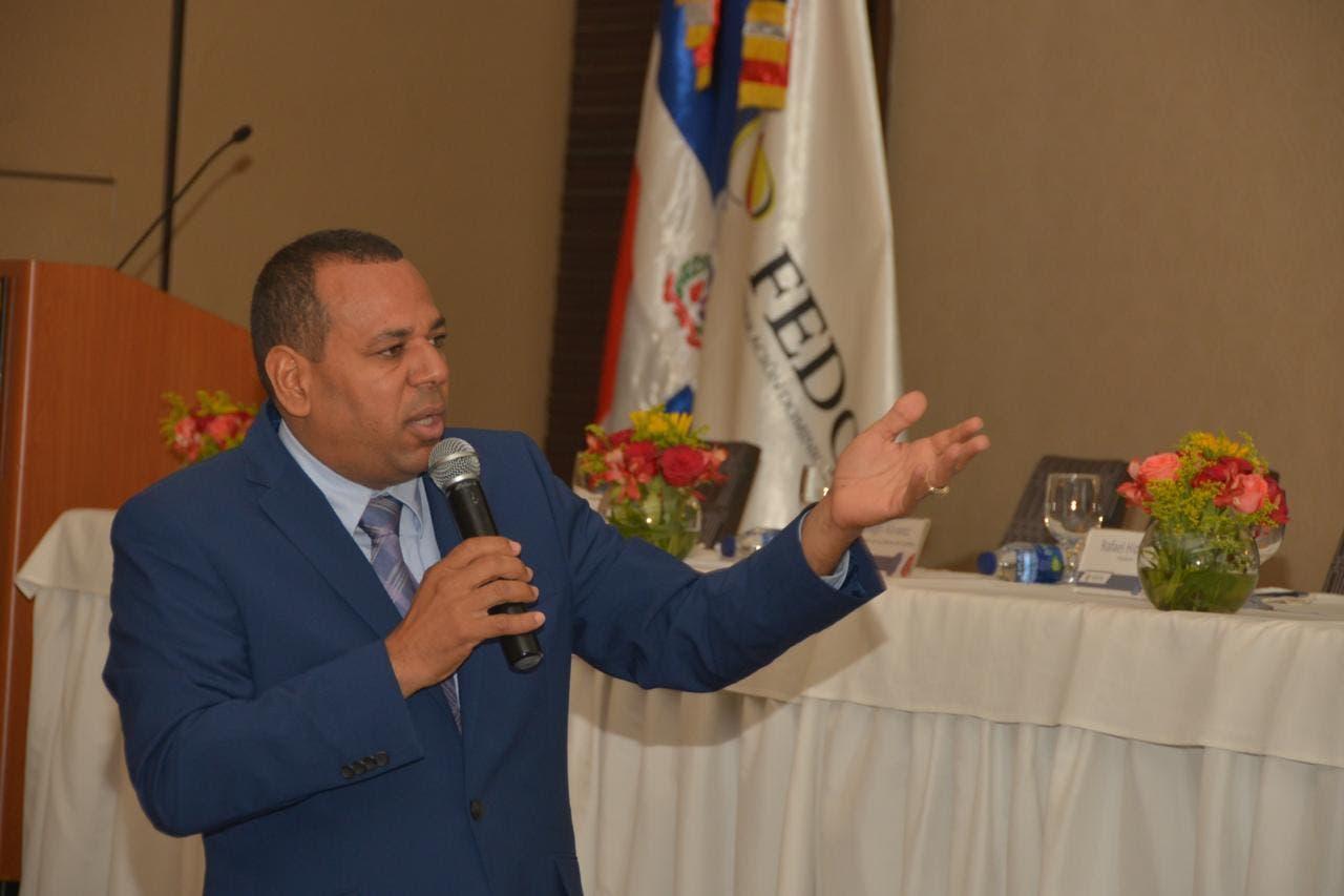 Llamado de FEDOMU a alcaldes sobre afectados por Isaías