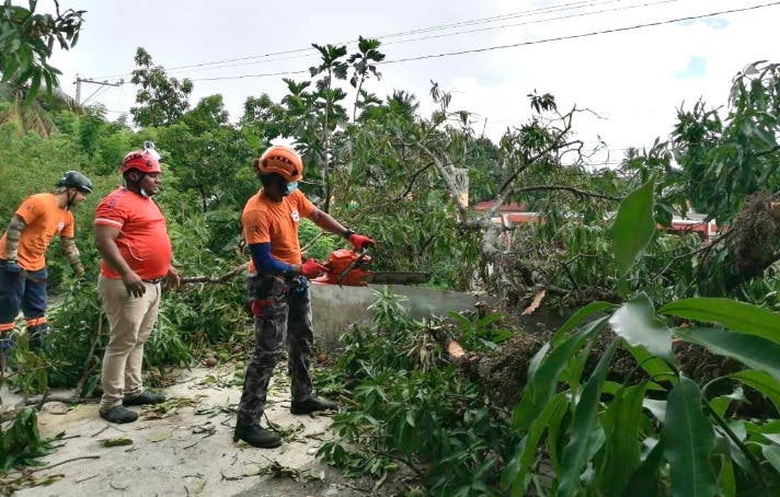 Defensa Civil ejecuta evacuaciones en ante posible paso tormenta tropical Isaías