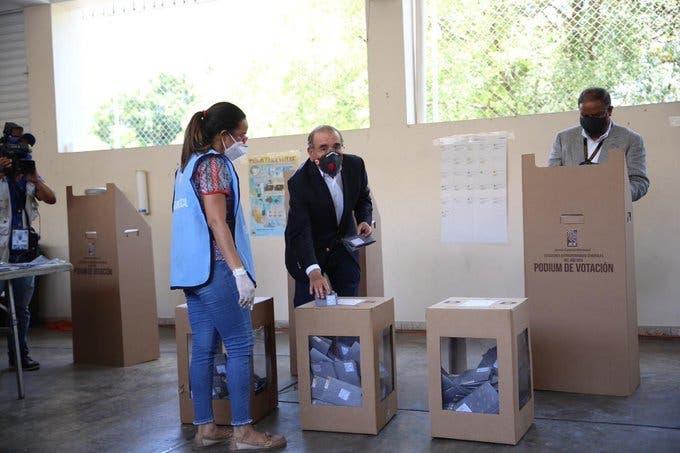 Danilo Medina: Dejen las artimañas y respeten los resultados