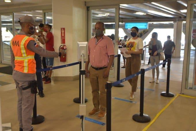 COVID-19: Pruebas a pasajeros procedentes desde el exterior serán aleatorias