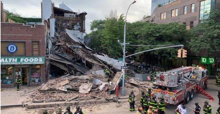 Un edificio de tres pisos se derrumba en barrio residencial de Nueva York Nueva York