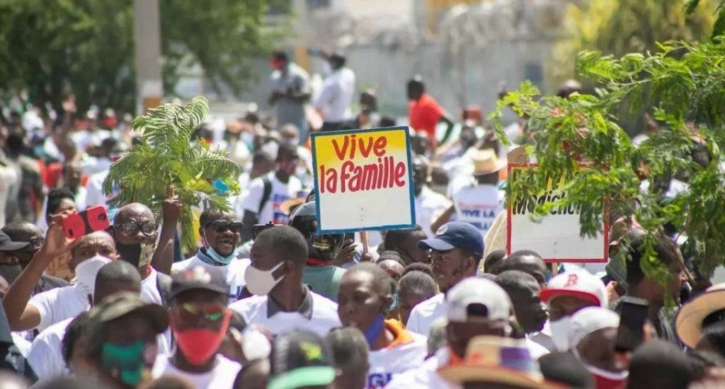 Cristianos protestan en Haití contra  Código Penal que legaliza matrimonio igualitario