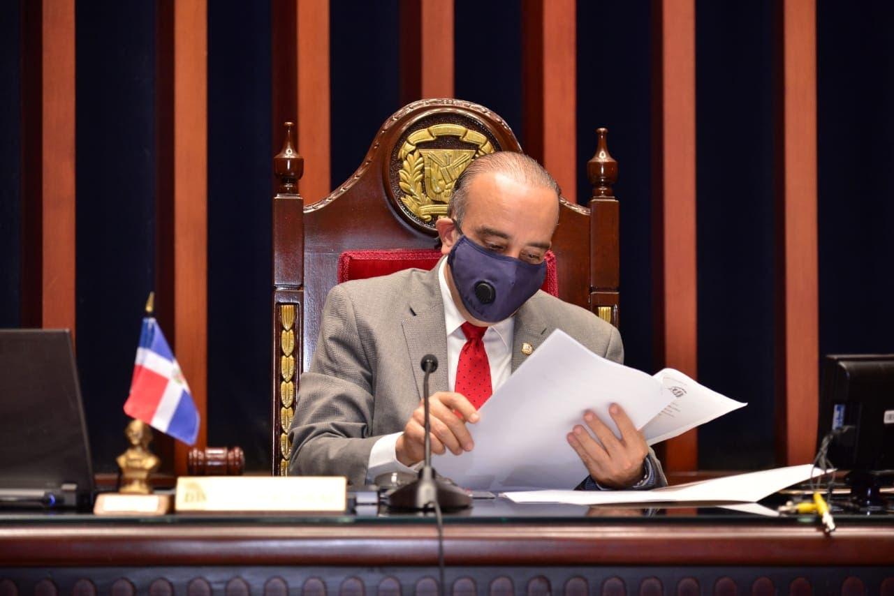 Senado envía a Comisión de Seguridad Social proyecto 30% AFP