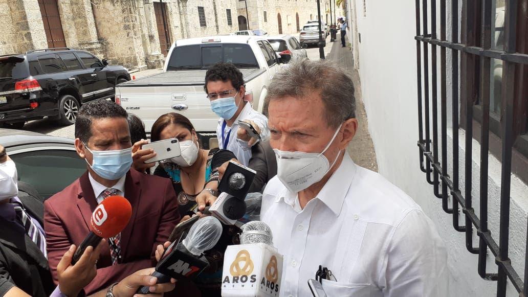 Canciller dice relaciones con Haití siguen normales dentro de su situación de crisis