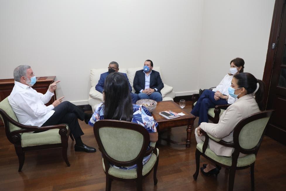 Rodríguez Marchena sostiene reunión con su sucesora Milagros Germán