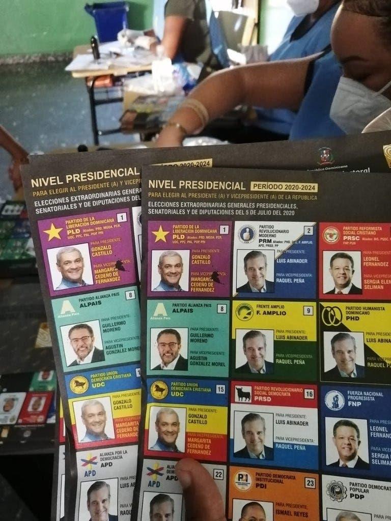 Elecciones RD: Algunas boletas presentan defectos
