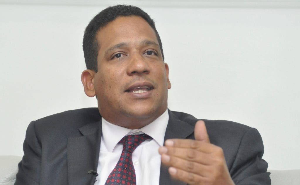 Carlos Pimentel revela los primeros pasos que dará como Director de Compras y Contrataciones
