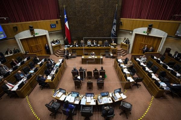 Senadores aprueban retiro 10% fondos AFP en Chile