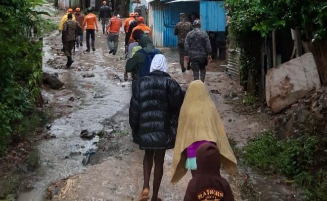 Defensa Civil informa cantidad de desplazados y albergues por Isaías