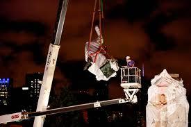 Retiran dos estatuas de Cristóbal Colón de parques de Chicago