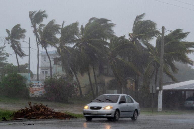 Tormenta Laura azota Cuba antes rumbo a EEUU como huracán