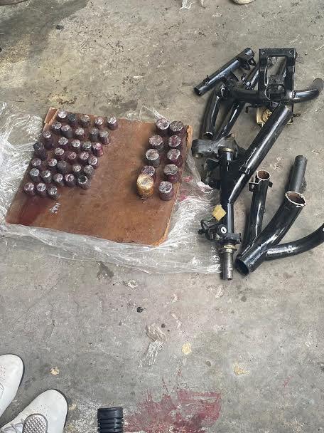 Intentan enviar a Miami ocho kilos de droga ocultos en mofle y chasis de pasolas
