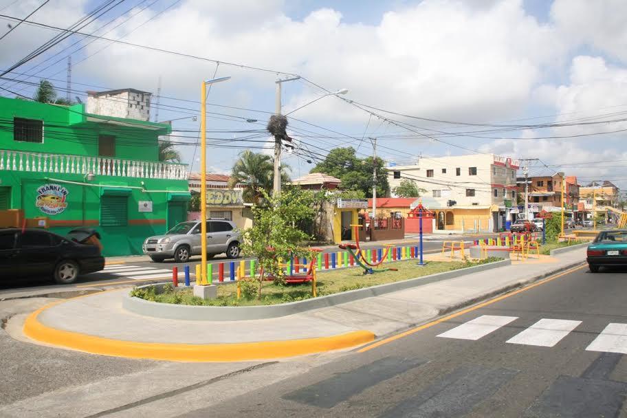 Alcaldía de Santiago entrega bulevar Gregorio Luperón en populoso barrio de Camboya
