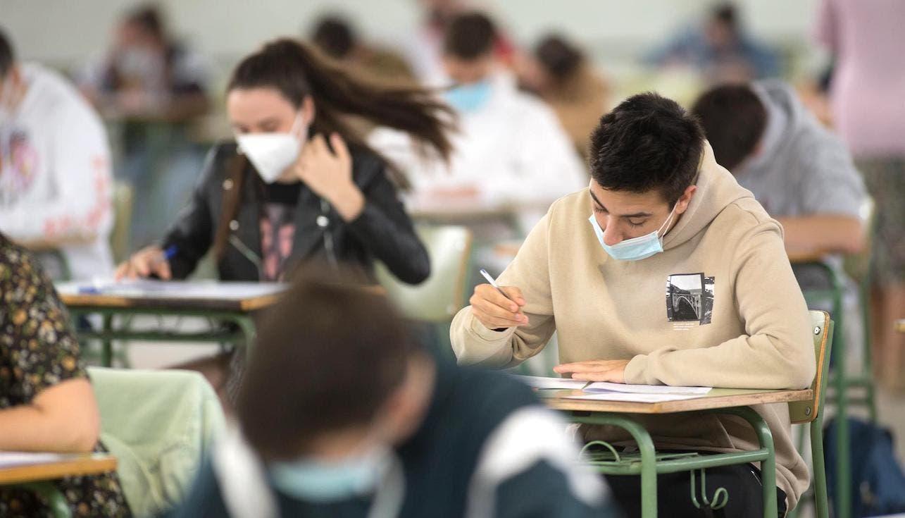 Universidades: mascarilla obligatoria, ventanas abiertas y modelo mixto