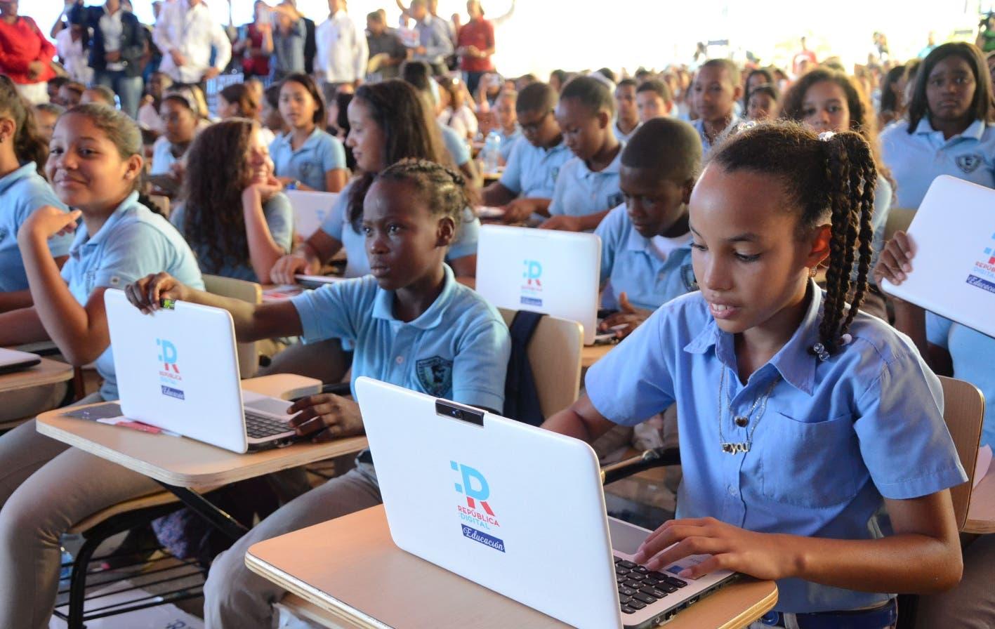 Apagones y brecha digital son retos  de la educación virtual