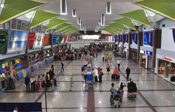 Venezolanos querían viajar a su país desde RD, pero no pudieron pese a que aviones iban vacíos