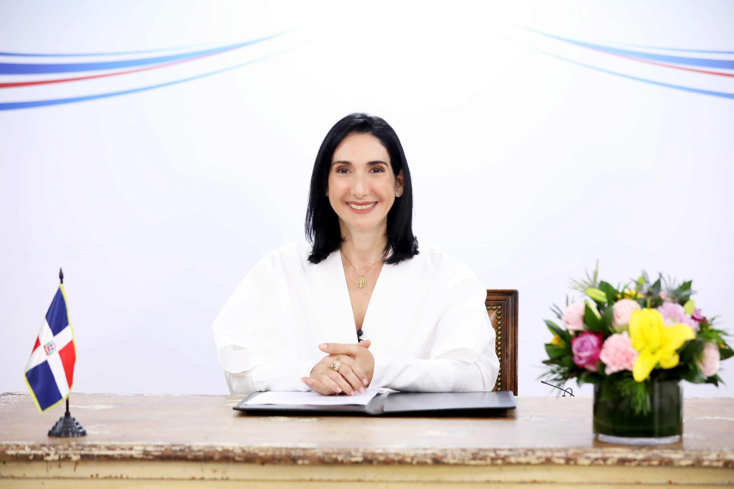 Raquel Arbaje que Gobierno beneficiará a mujeres rurales en medio de pandemia