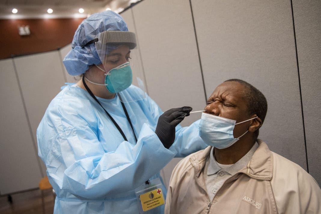Los casos de coronavirus a nivel mundial llegan a 24,6 millones