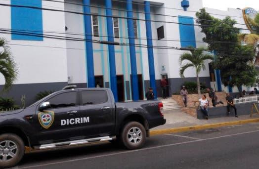 Matan dos hombres y hieren otro en interior de camioneta próximo a Punta Cana