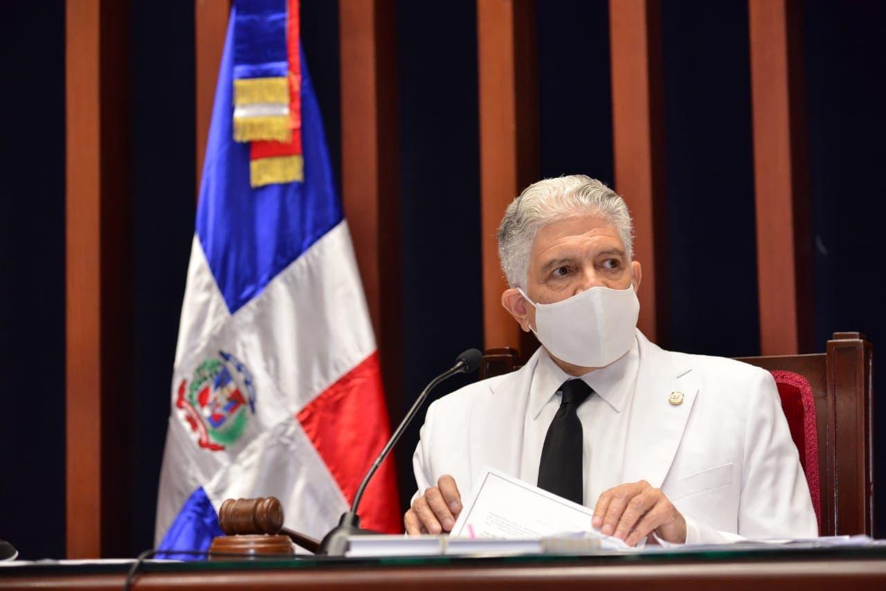 Eduardo Estrella: todo el que tenga cuentas pendientes con la justicia debe ser llevado ante ella
