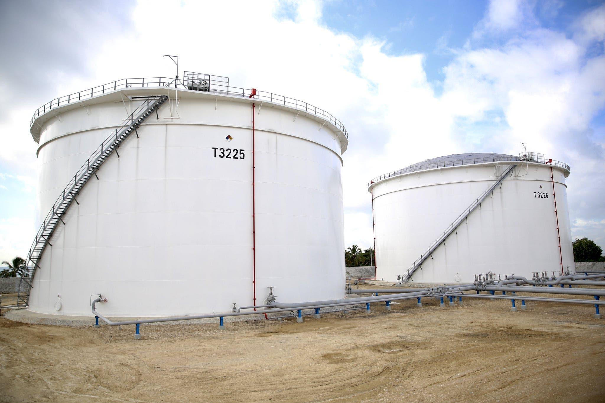 Fotos y video: Danilo Medina inaugura nuevos tanques de Refidomsa