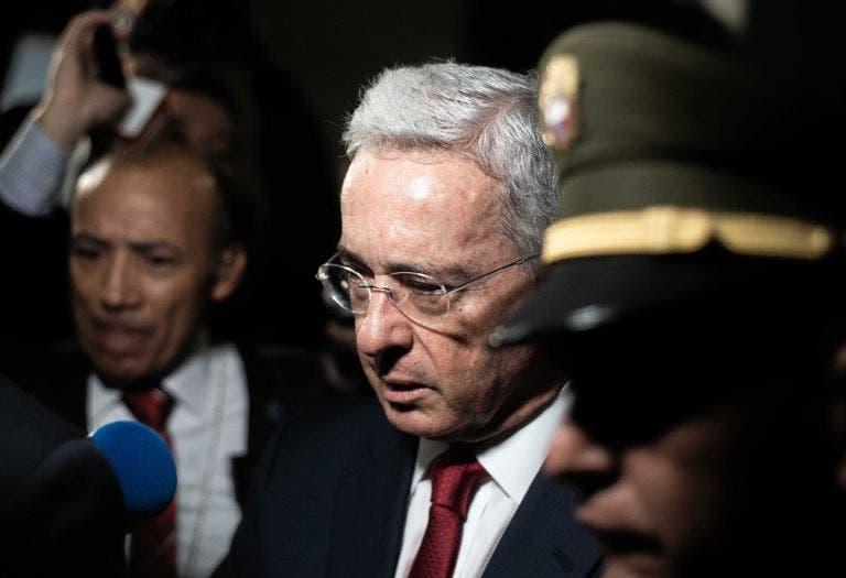 EEUU pide libertad para expresidente colombiano Uribe, a quien llama 'héroe'
