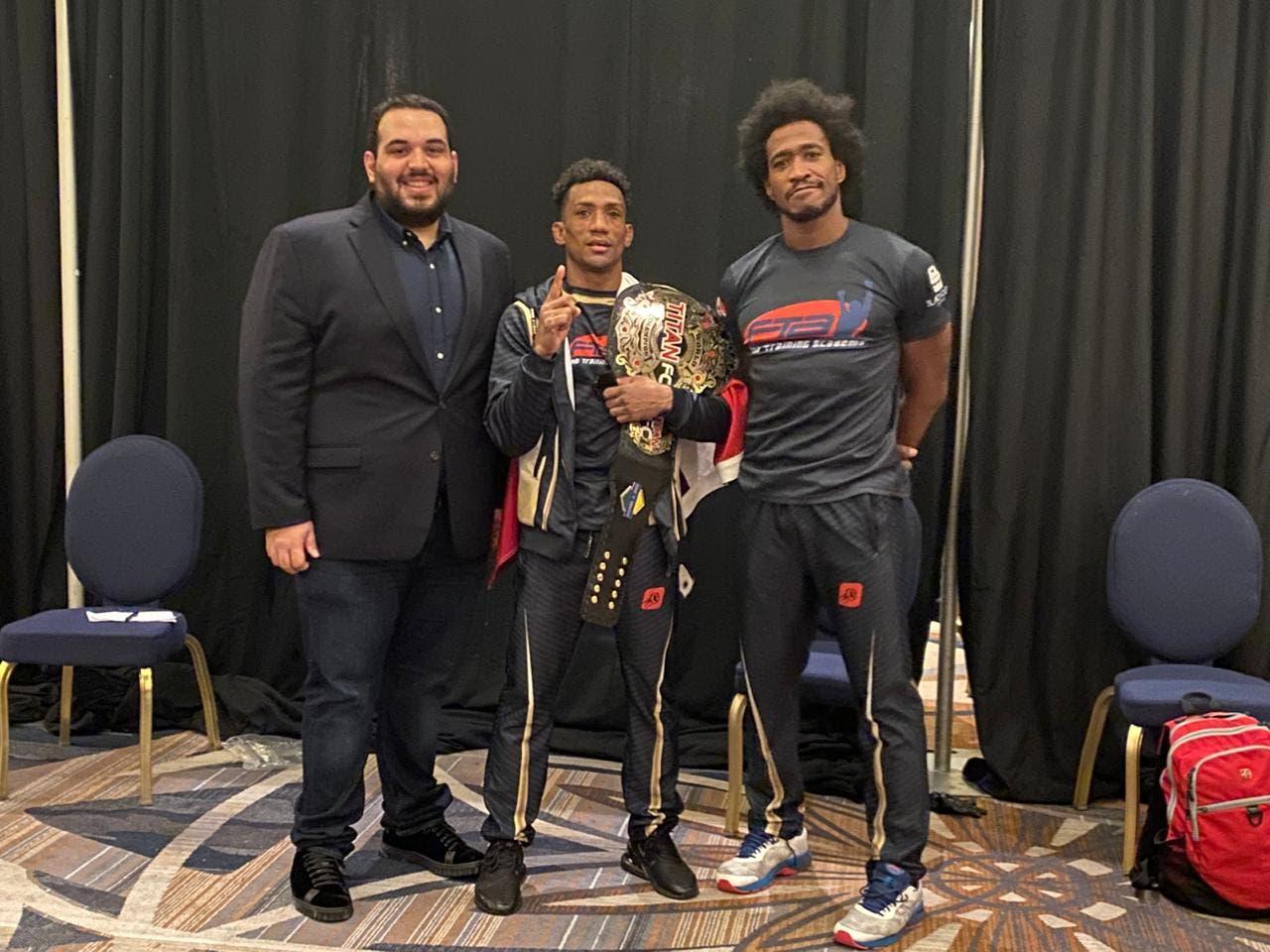 Wascar «La Avispa» Cruz primero de RD en ganar titulo mundial en MMA